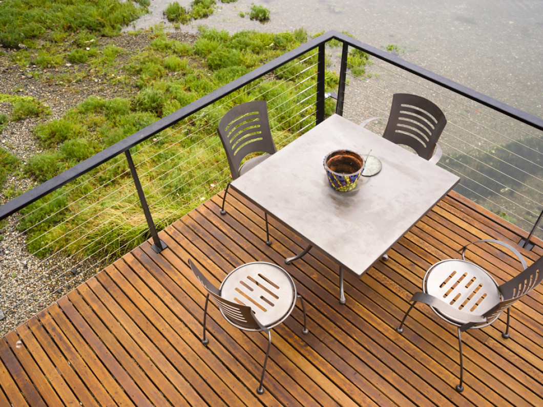 Enjoy Your Backyard With a Quality Deck